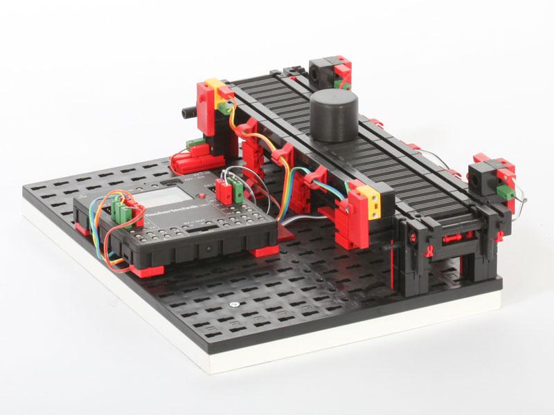 Cinta transportadora 9V - Simulación